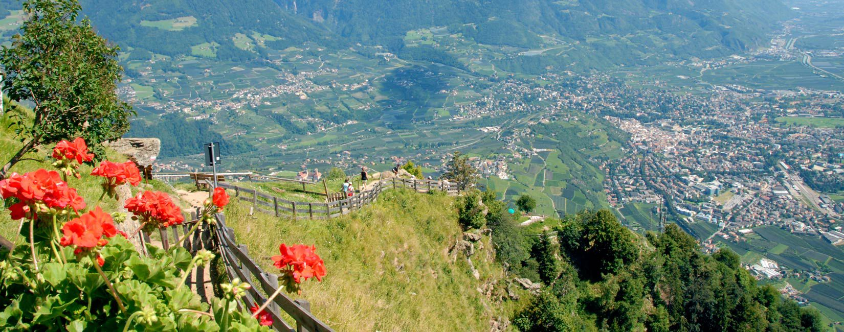 Shopping and weekly markets in Merano and the surrounding area